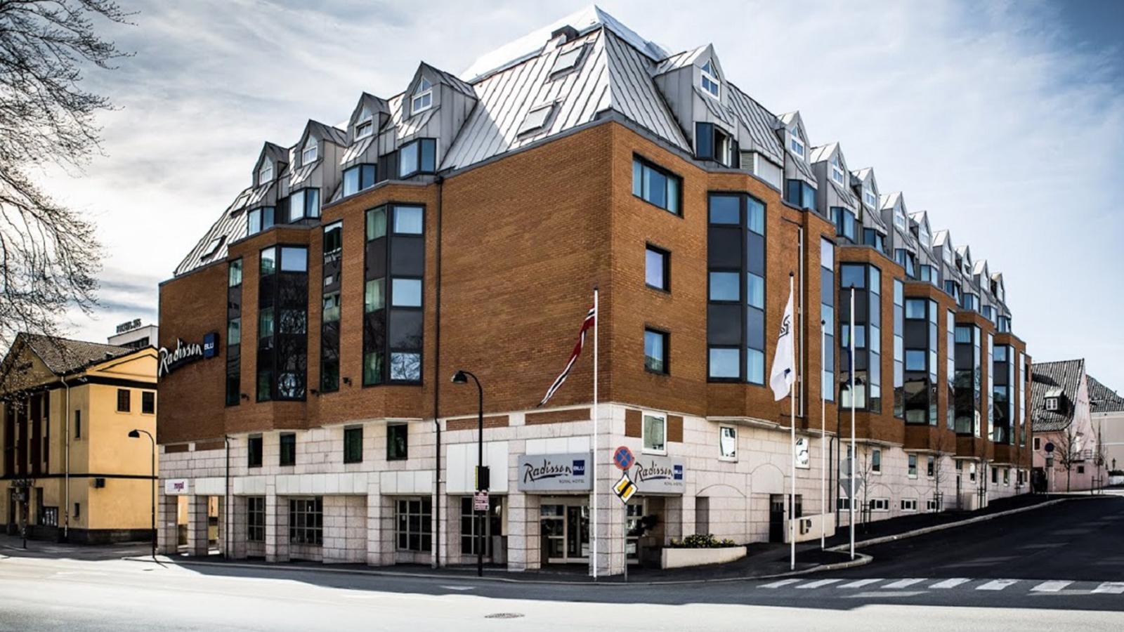 ancona grupa radisson blu royal hotel. Black Bedroom Furniture Sets. Home Design Ideas